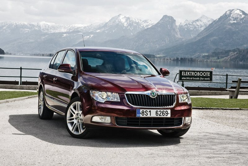 Skoda-Superb_2009_800x600_wallpaper_01