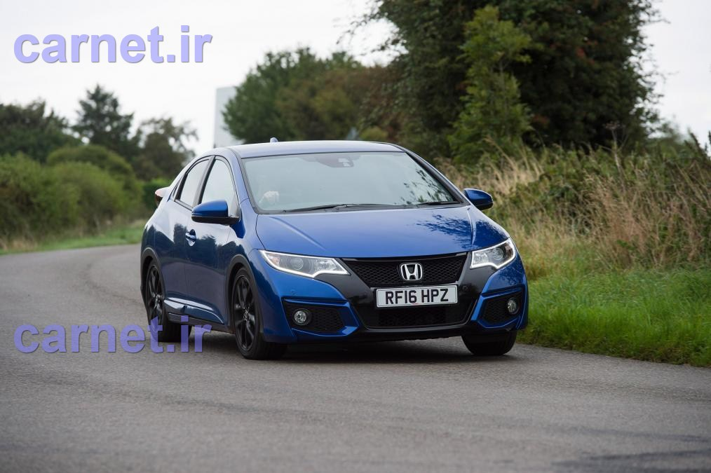 honda-civic-hatchback-vs-mazad3-23